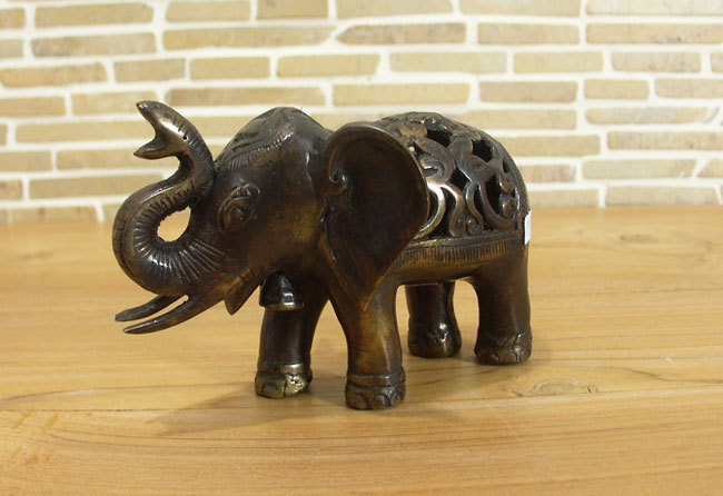Elefant-gross-bronze-offen2